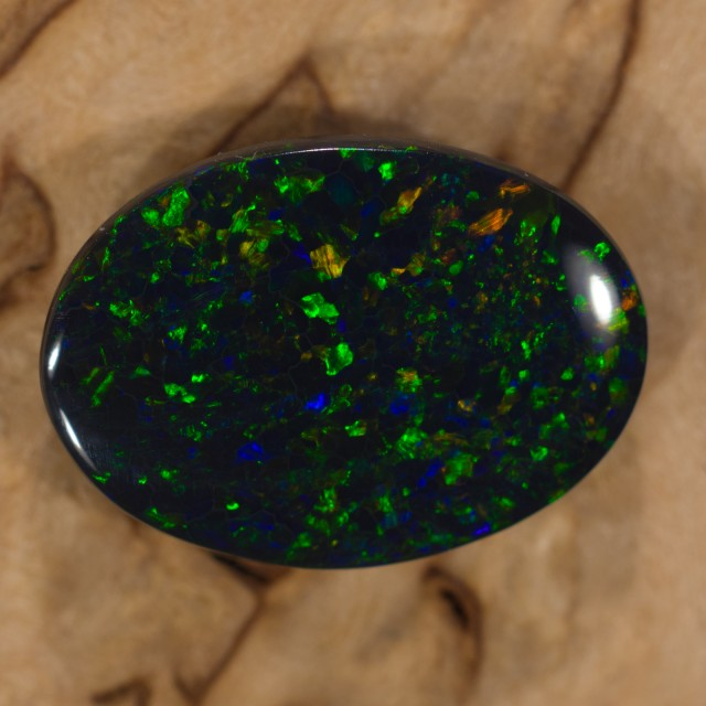 2.1 cts N1 Black opal from Lightning Ridge