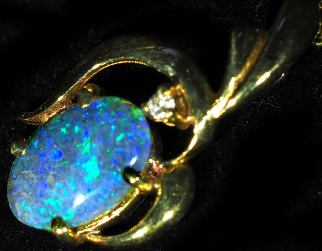Black Opal set in 18k Gold Pendant  SB652