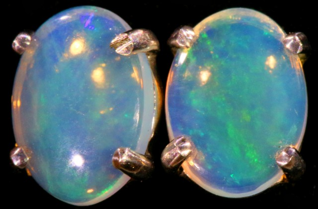 Crystal Opal set in 18k White Gold Earrings SB704