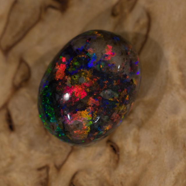 4.3 ct Solid Matrix opal from Andamooka