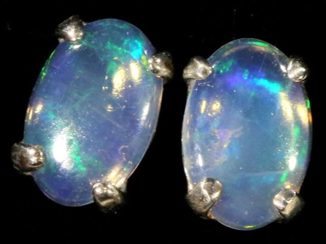 Cute Crystal Opal 18k White Gold Earrings  SB 719