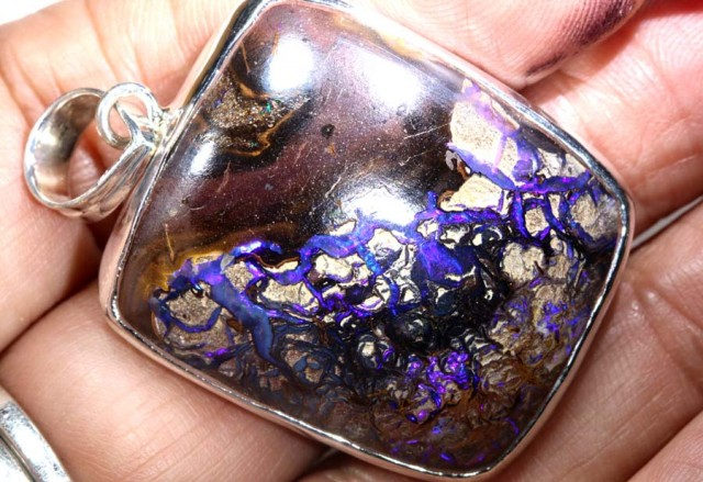80 CTS BOULDER OPAL STERLING SILVER PENDANT OF-1947