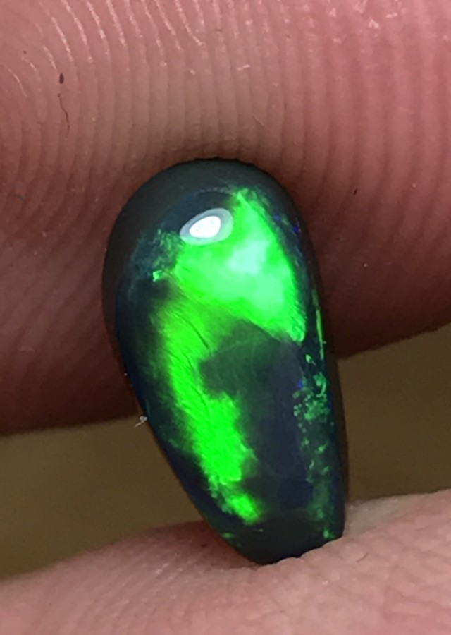 1.30ct Lightning Ridge Gem Black Opal LR285