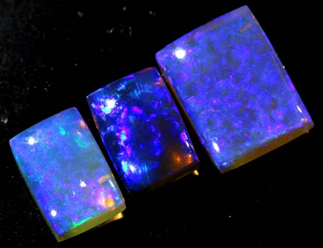3.9 CTS CRYSTAL OPAL POLISHED PARCEL 3PCS TBO-6818