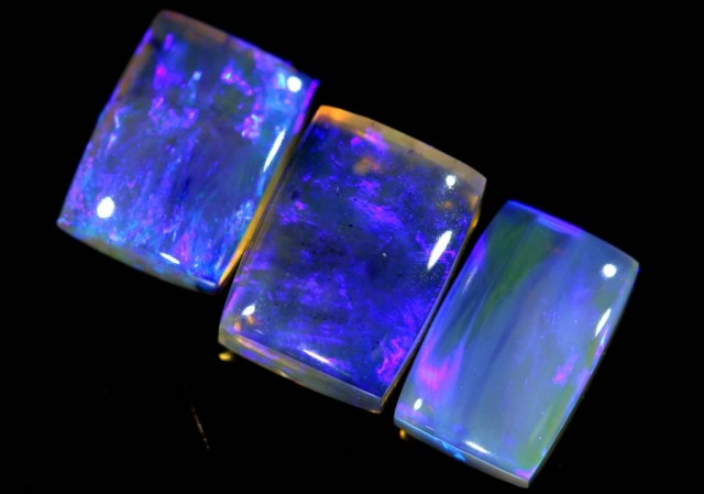 3.9 CTS CRYSTAL OPAL POLISHED PARCEL 3PCS TBO-6825