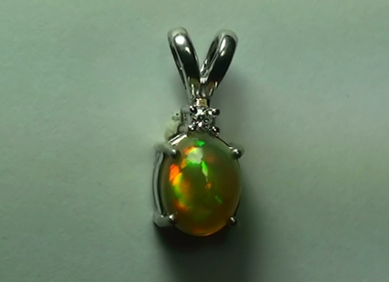 8.0 ct Stunning Modern 925 Silver Solid Welo Opal Pendant
