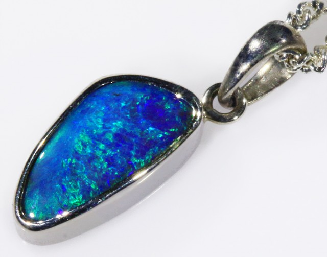 18k White gold with  solid Boulder opal CF997