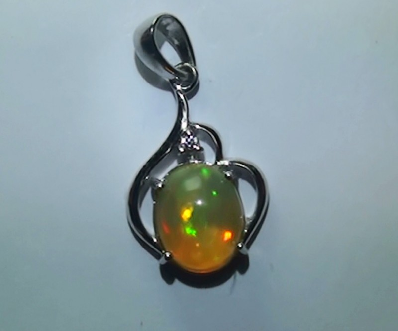 6.0 ct Stunning Modern 925 Silver Solid Welo Opal Pendant