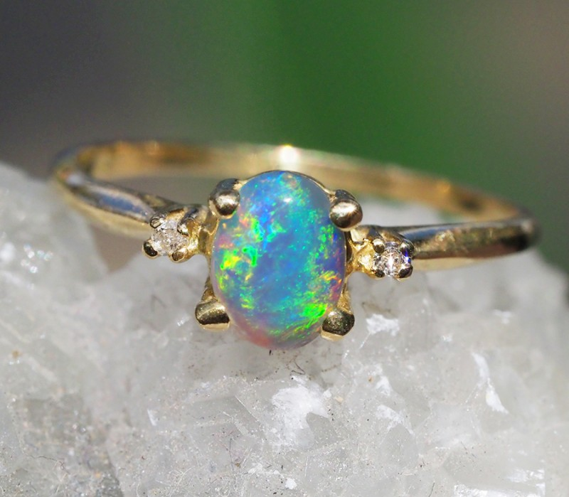 Cute Solid Crystal Opal 18k Yellow Gold Ring SB 825