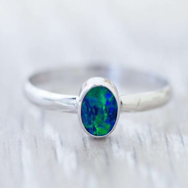 Cute doublet Opal 18k White Gold Ring SB 841