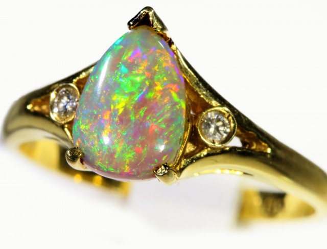 Cute Crystal Opal 18k Yellow Gold Ring SB 869