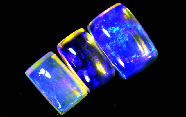 1.3 CTS CRYSTAL OPAL POLISHED PARCEL 3PCS TBO-6933