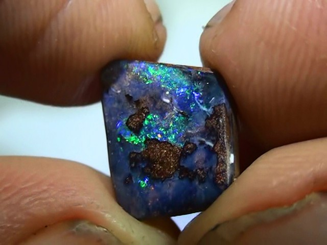 2.65 ct Boulder Opal With Rainbow Color