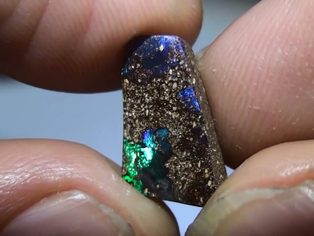 3.75 ct Boulder Opal Natural Blue Green Color