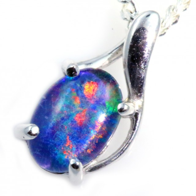 Stylish Triplet Opal Pendant set in 18k gold  CF