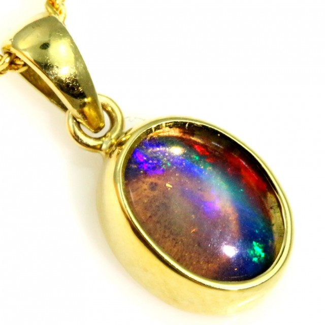 Enhanced Crystal Opal Set in 18K Yellow Gold Pendant CF1223