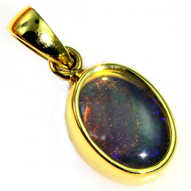 Enhanced Crystal Opal Set in 18K Yellow Gold Pendant CF1224