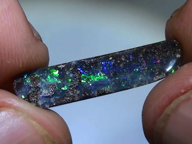4.55 ct Boulder Opal With Gem Blue Green Color