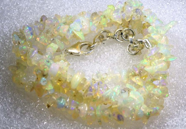 55.9CTS CHIPS OPAL BEADS STRANDS FOB-1090