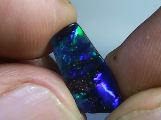 2.65 ct Boulder Opal Natural Gem Blue Green Color