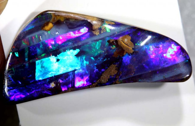 28.5 CTS QUALITY BOULDER OPAL POLISHED STONE INV-838