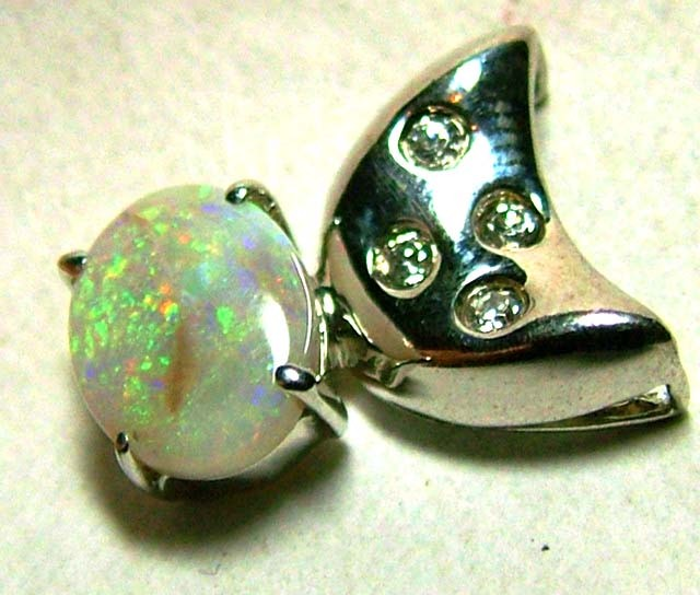 8.7 SOLID OPAL AND CZ PENDANT/SILVER OF-2031