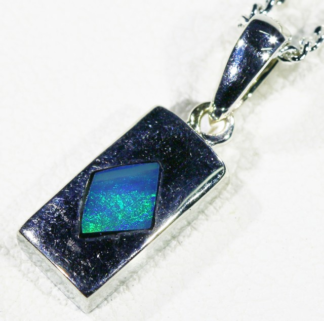 Cute Crystal Opal Inlaid into Sterling Silver pendant CF 1317