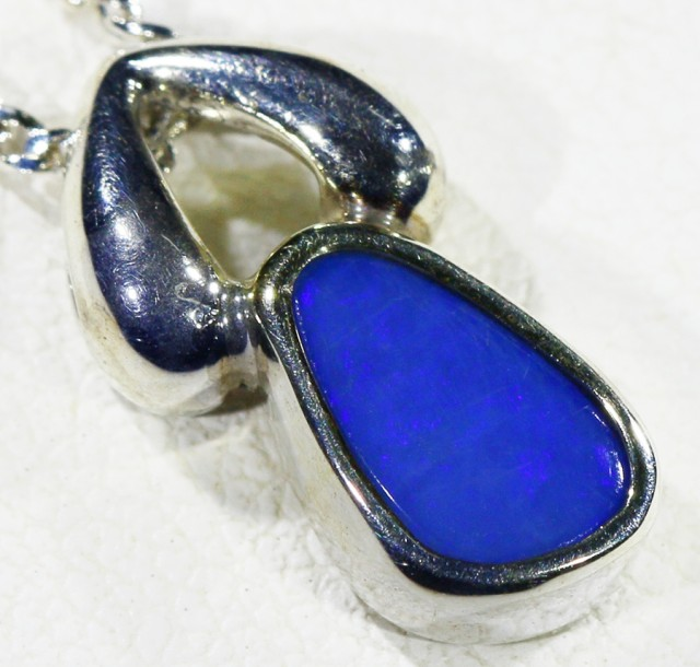 Cute Crystal Opal Doublet  into Sterling Silver pendant CF 1318