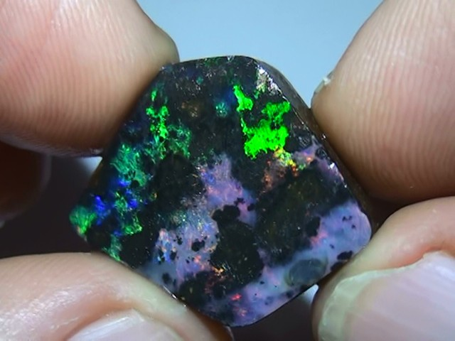 19.0 ct Beautiful Gem Multi Color Solid Boulder Opal Rough Rub