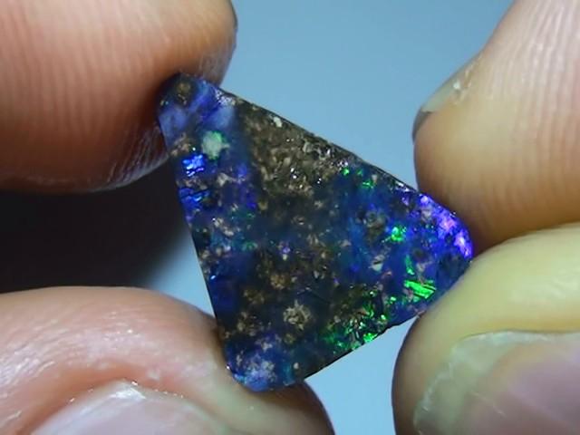 4.30 ct Gem Blue Green Solid Boulder Opal Rub