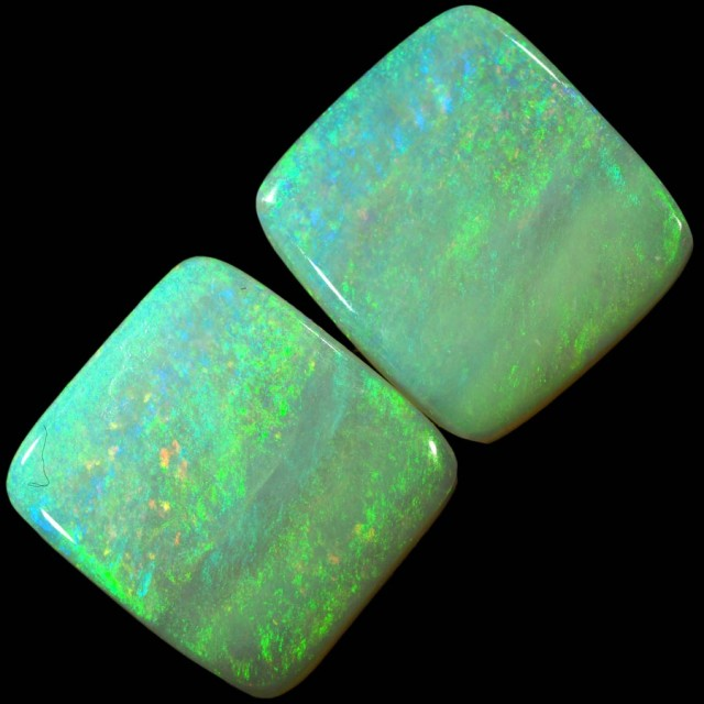 5.85 CTS PAIR OF CRYSTAL OPALS [SO9483]