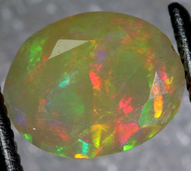 0.8 CTS ETHIOPIAN WELO FACETED OPAL STONE FOB-1166
