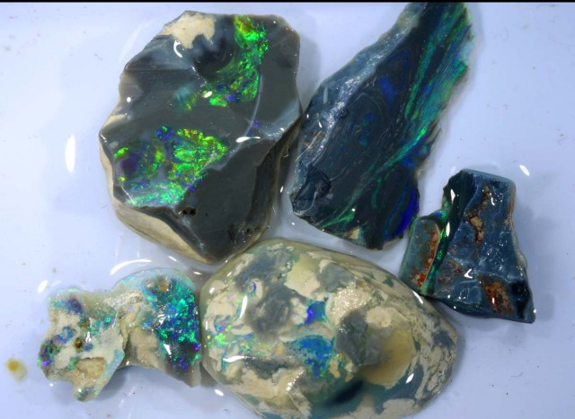 71 CTS DARK OPAL ROUGH PARCEL DT-7452