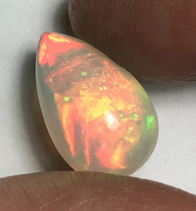 5.97ct Brilliant 5/5 Layered/Mix Pattern Welo Ethiopia Opal Cab.