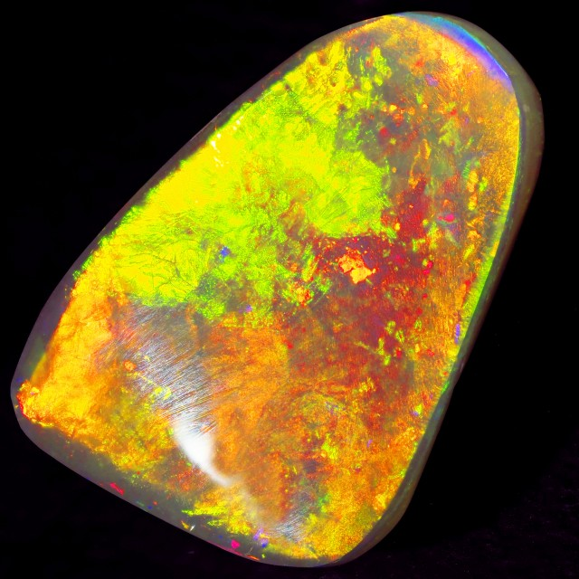 16.1 CTS BRIGHT  MINTABIE SOLID OPAL [SO9565]
