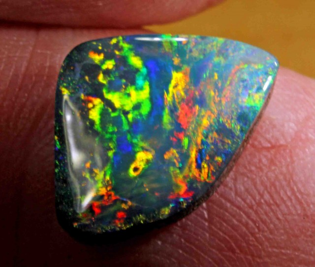 6.20 CTS NICE BOULDER OPAL FROM WINTON AREA -  THIS STONE IS SUPER BRIGHT