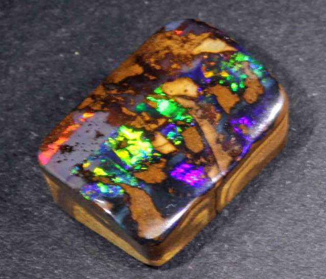 9.50 CTS NICE BOULDER OPAL FROM WINTON AREA