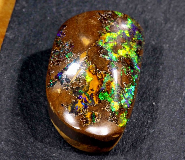 15.10 CT NICE BOULDER OPAL FROM WINTON AREA