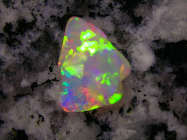 1.38ct EXTR 3D HIGH QUALITY DOUBLE SIDED CRYSTAL OPAL