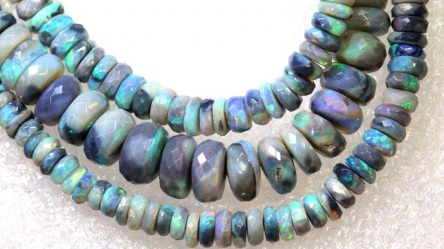 81.9CTS BLACK OPAL BEADS STRAND TBO-7640