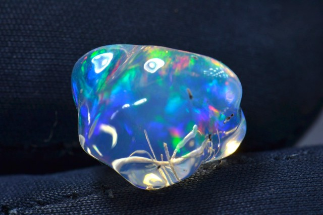5ct Mexican Fire Opal Extremely Bright carved