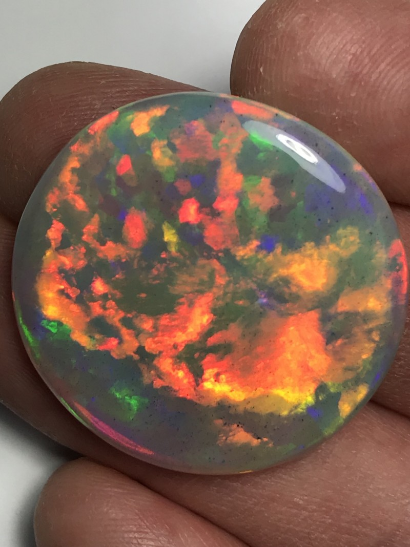 CMovie-41ct Brilliant 5/5 Welo Ethiopia Opal Cab