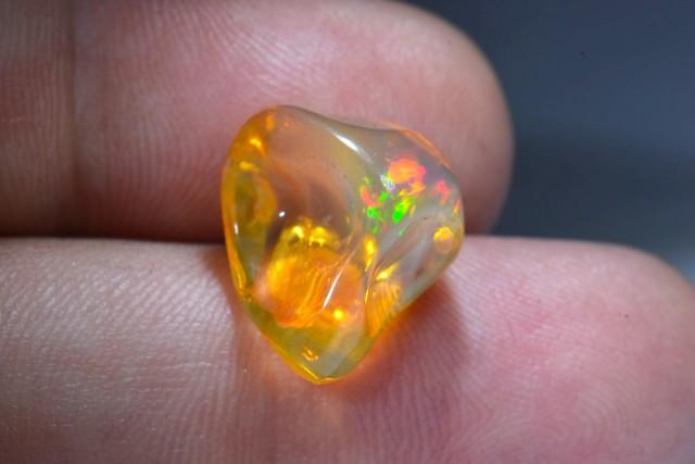 8.5ct Mexican Phantom Contraluz Fire Opal