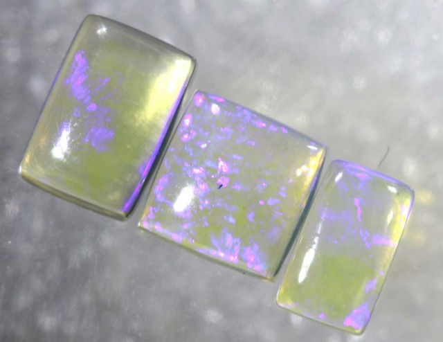 1.4CTS CRYSTAL OPAL POLISHED PARCEL 3PCS TBO-7685