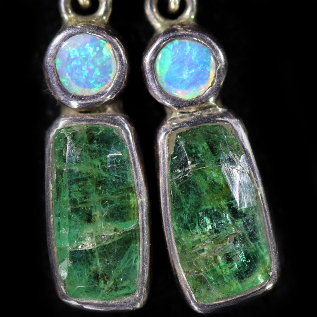 14.80 cts CRYSTAL OPAL AND EMERALD EARRINGS-FACTORY DIRECT  [SOJ5965]