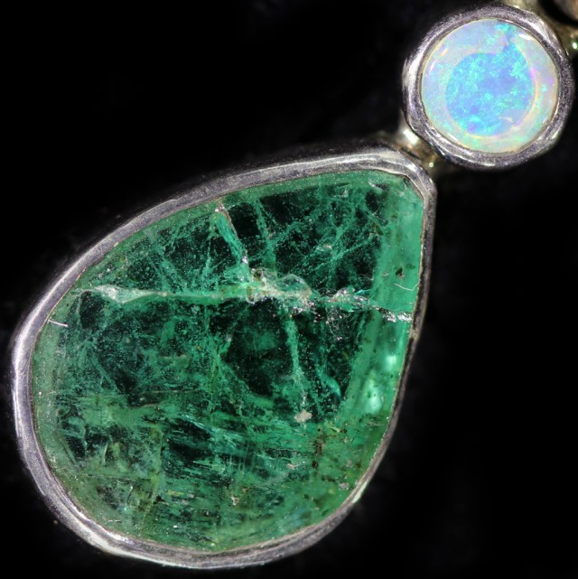 21.60 cts CRYSTAL OPAL AND EMERALD PENDANT-FACTIRY DIRECT[SOJ5964]