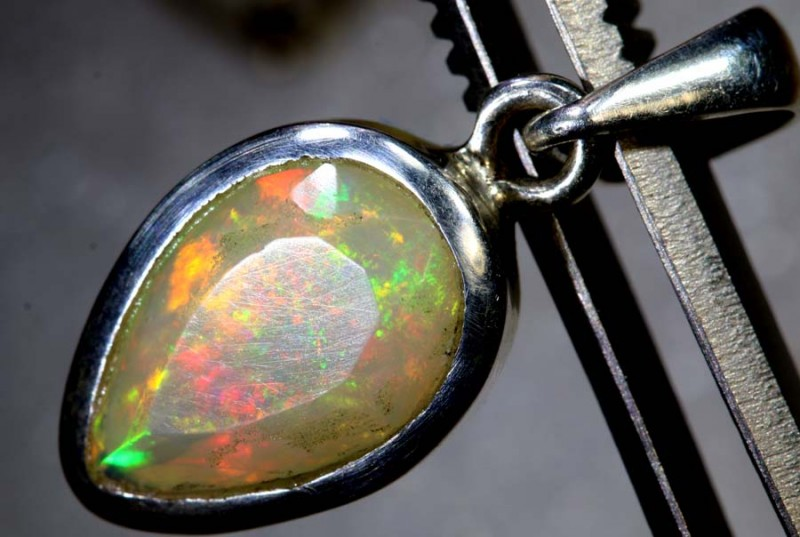 11 CTS ETHIOPIAN OPAL SILVER PENDANT FOB-1226