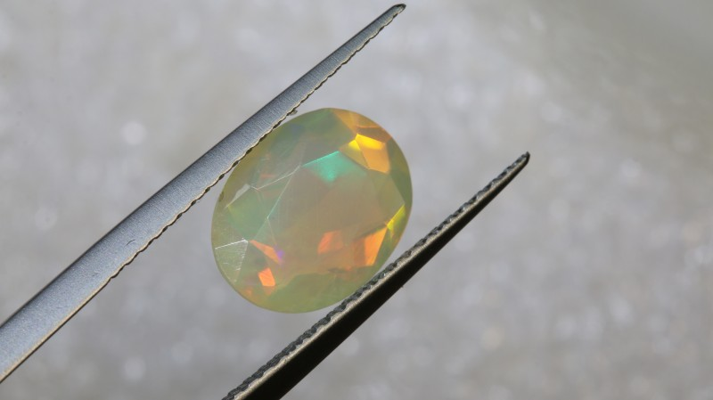 4 CTS ETHIOPIAN WELO FACETED OPAL STONE FOB-1244