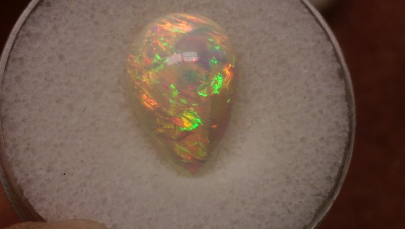Screamin Bright® Saturated White Opal Welo.