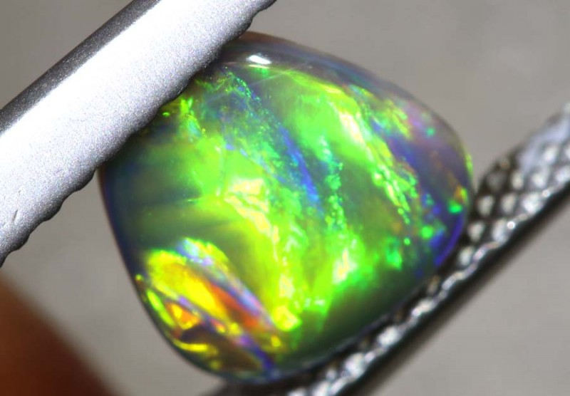 0.7CTS - N3 BLACK OPAL POLISHED STONE TBO-7796